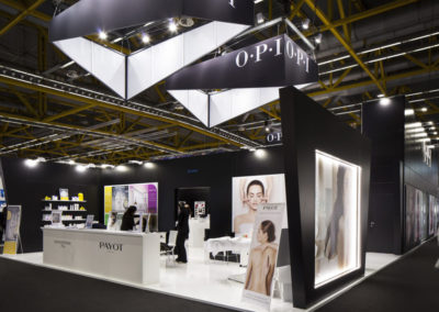 OPI_Cosmoprof Stand Desk